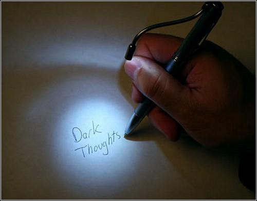 Светодиод позволит делать записи даже в полной темноте.