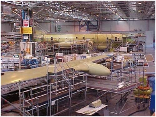Сборка разведывательного самолета Nimrod.