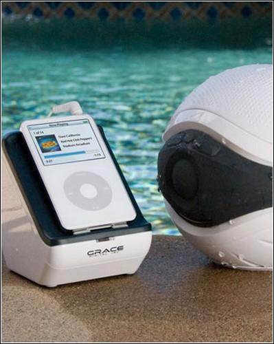 Плавучая колонка для iPod'a.