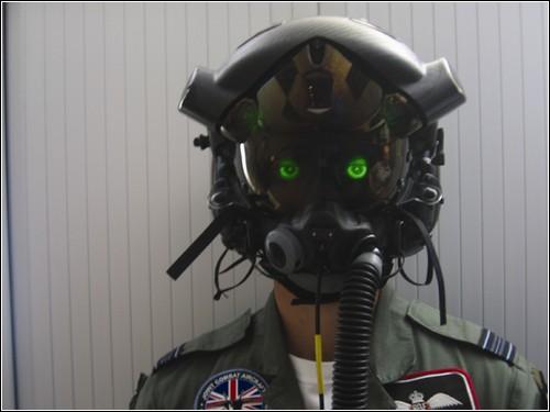 Глазастый шлем для пилотов нового истребителя F-35.