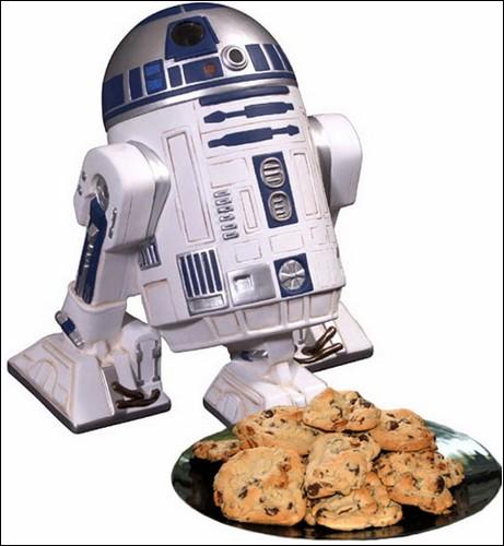 R2D2 в роли коробки для печенья.