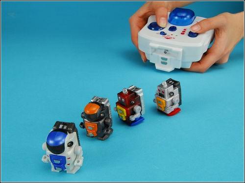 Самый маленький в мире двуногий робот.