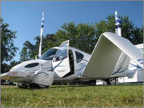 Летающий автомобиль Terrafugia Transition.