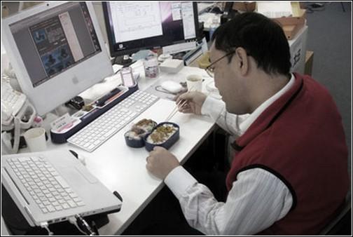 Thanko USB Powered Lunchbox - еда с подогревом.