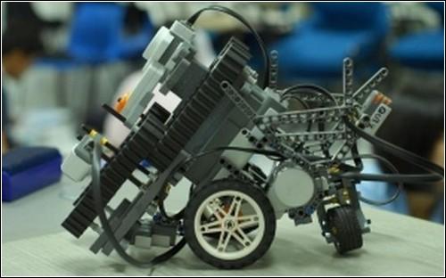 Робот-мусорщик TCR-2009.