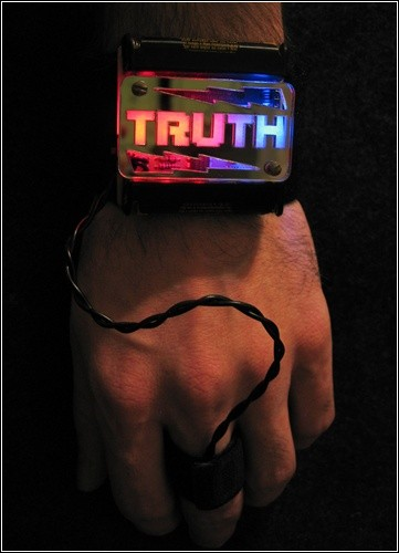 Детектор лжи Truth Wristband.