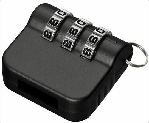 Кодовый механический замок для USB-накопителя.