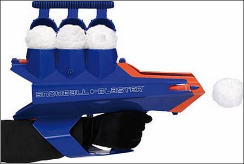 Трехзарядный снежкомет Snow Ball Blaster.