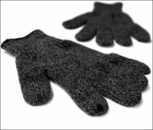 Перчатки DOTS для работы с сенсорным экраном.