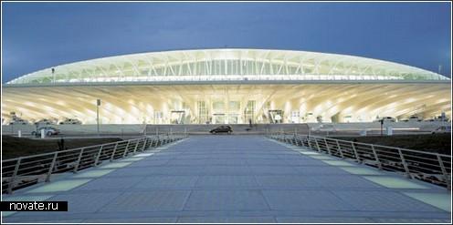 Терминал в Sondica в Бильбао, Испания