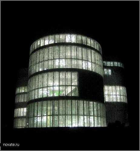 Новаторская библиотека для Бранденбургского технического университета. Разработка Herzog & DeMeuron.