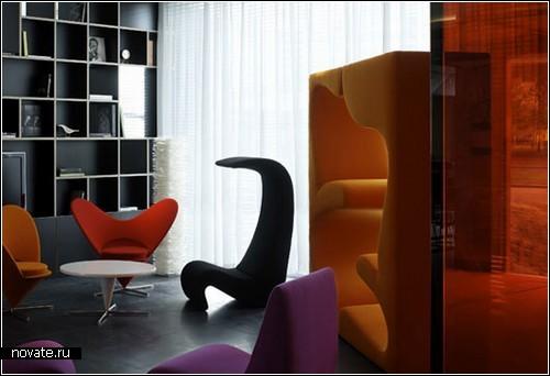 Интерьер отеля Citizen-M, оформленный оригинальной дизайнерской мебелью