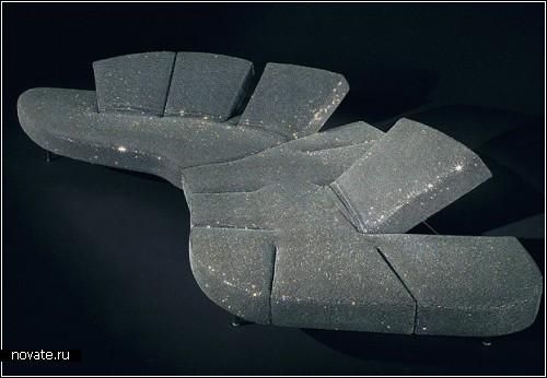 Диван Flap, украшенный 750 000 кристаллов. Работа Франческо Бинфаре