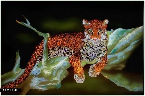 Картины, нарисованные кристаллами Swarovski