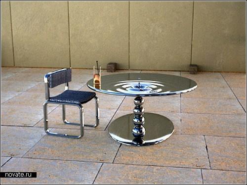 Металлические столы во власти водной стихии