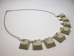 http://static.novate.ru/files/la-s0leil/klava/geekjewelry09.jpg