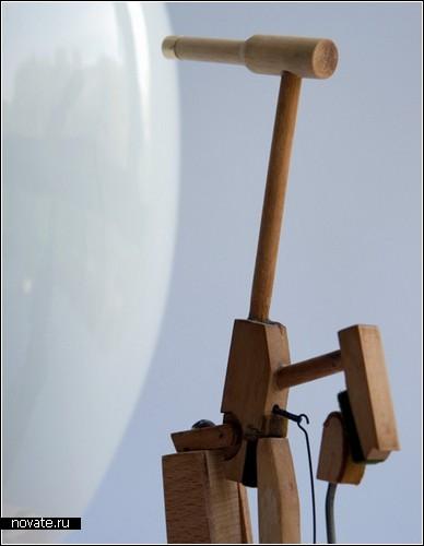 Ваза-часы с дятлом вместо кукушки. Проект Джорджиоса Маридакиса (Georgios Maridakis)