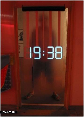 Светодиодные часы вместо занавесок. Концепт