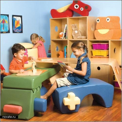 Стол-трансформер для маленьких непосед