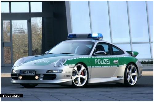 Полицейские машины в разных городах и странах
