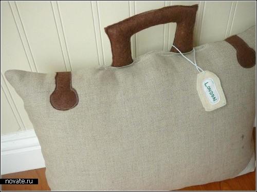 Подушки для любителей путешествий. Olive design