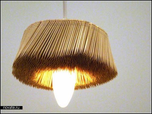 Светильники с абажурами из пластиковых ложек и зубочисток