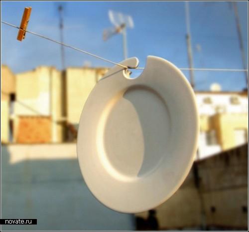 Керамическая посуда на крючках