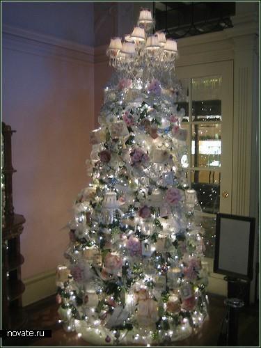 Наряжаем новогоднюю ёлку