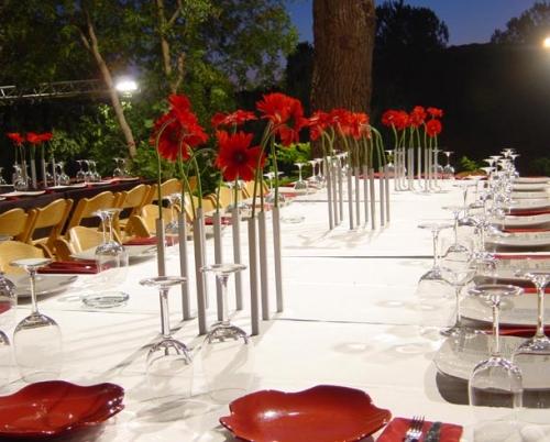 Цветущее украшение обеденного стола