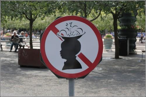 Такие шляпки нынче не в моде?
