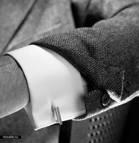 Запонки «Arm revolution» от Anthony Hayward