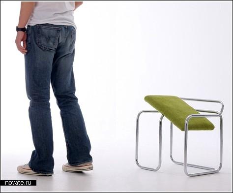 Балансируя на стуле