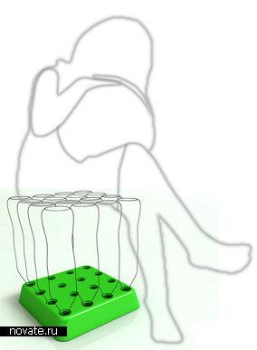 Стул и стол из бутылок