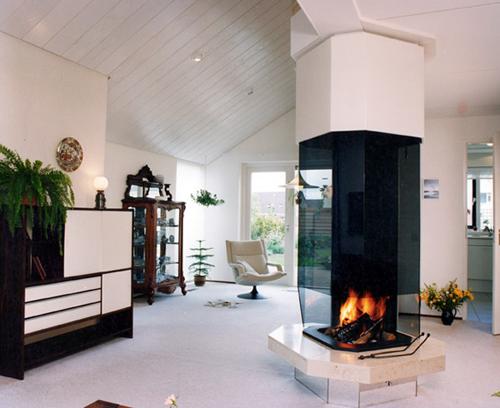http://www.novate.ru/files/masha/fireplace.jpg
