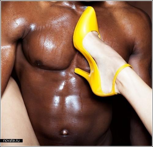 Фотосессия ног или обуви? Загадка от Florent Bonne