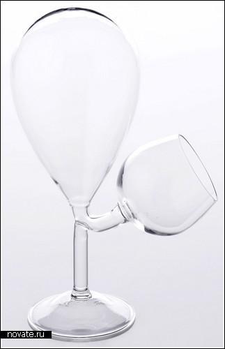 «Стеклянный резервуар» с бокалом в придачу