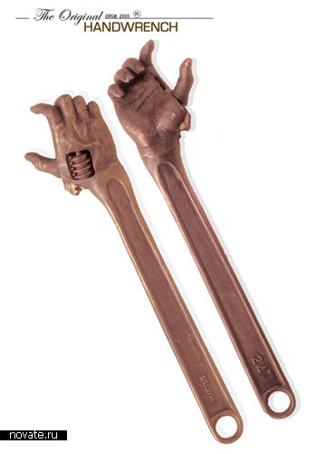 Гаечные ключи в виде человеческой руки