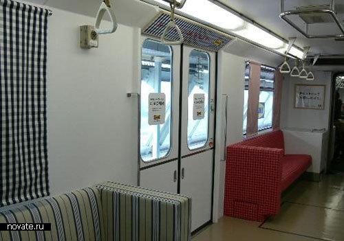 Поезд, украшенный дизайнерами из IKEA
