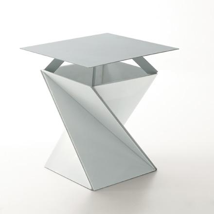 стул Kada от Yves Behar