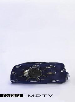 Чемодан «Kompressor» с ремнями безопасности