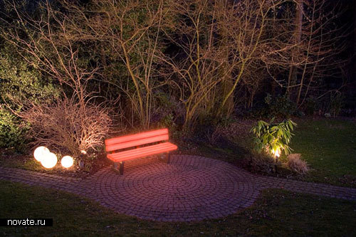 Светящаяся скамейка  от Frellstedt