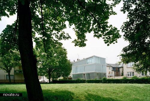 «Кривой» дом во Франции