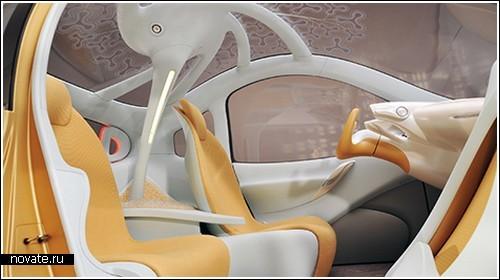 Концепт-кар Nissan Nuvu на автосалоне в Париже