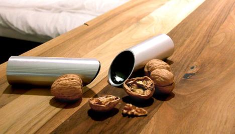 Щипцы для орехов от Christopher Kuh