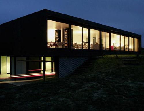 Здание Os house в Испании