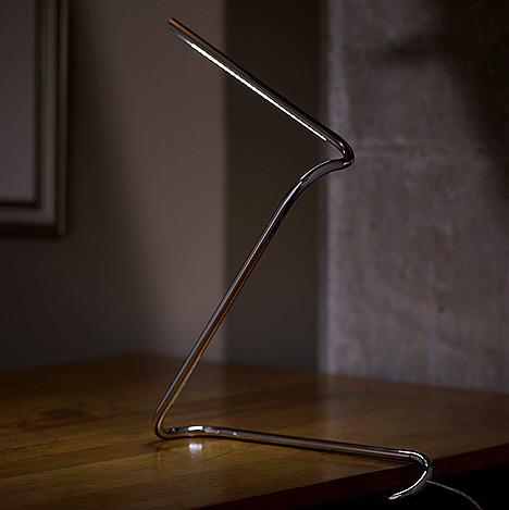 лампа в виде скрепки от Ben Collette and David Wykes