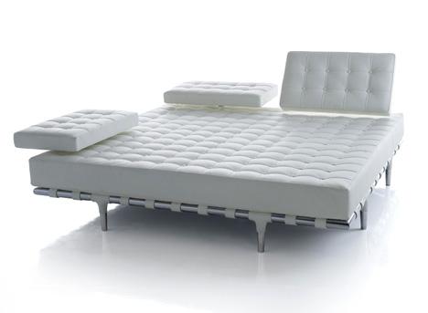 диван от Philippe Starck