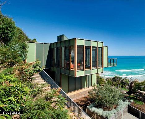 Дом в Камари на берегу моря не дорого