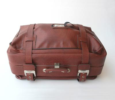 чемодан с мишкой от Jenny Pokryvailo.
