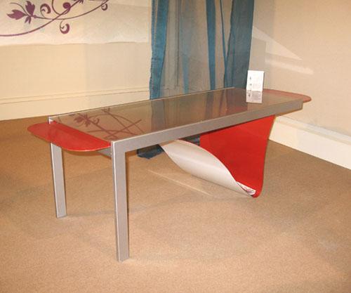 Стол «Tavi» от Adele Rotella